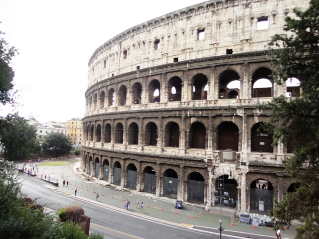 Rome holiday rentals Colosseum